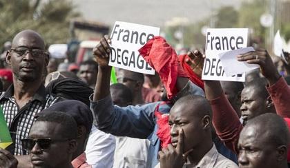 FRANÇAFRIQUE : « France Dégage » : Rassemblement au Mali Contre la Présence Française