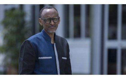 Perezida Kagame na Madamu Jeannette Kagame mu myambaro ya Moshions: Ibyishimo kuri Turahirwa wayihanze (Amafoto)