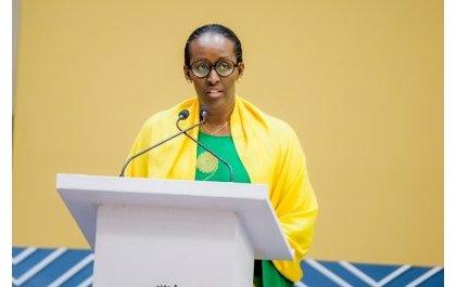Nta terambere rishoboka ahari amacakubiri n'urwango – Madamu Jeannette Kagame