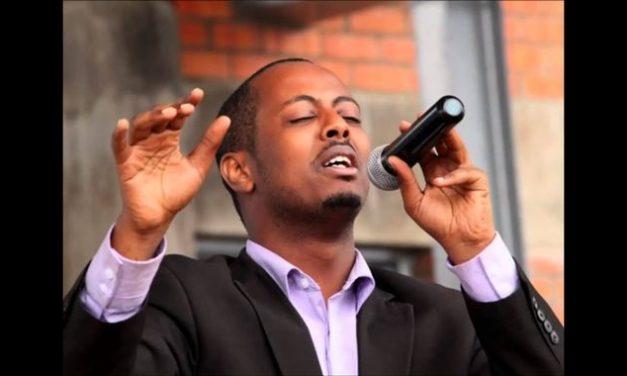 Rwanda : un célèbre chanteur Kizito Mihigo retrouvé mort en prison