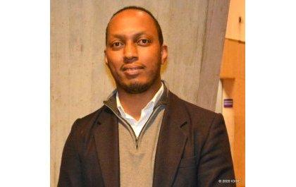 Des Rwandais protestent contre la participation des négationnistes du génocide à une conférence au Sénat français