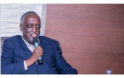 Tito Rutaremara yavuze ku 'bajura' bahungiye muri Politiki, bashyize imbere kwibasira FPR na Perezida Kagame