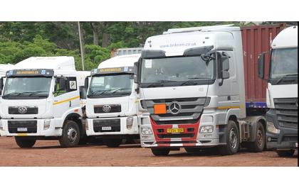 Les camionneurs tanzaniens manifestent contre la décision de passer le relais aux Rwandais