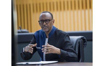 Perezida Kagame yasabye abarangije muri UGHE kubyaza umusaruro ubumenyi bungutse