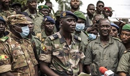 Le Coup d'État Malien Provoque une Onde de Choc en Afrique de l'Ouest