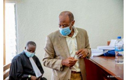 Paul Rusesabagina yitabye urukiko aburana ku byaha 13 akekwaho: Uko iburanisha ryagenze (Amafoto)