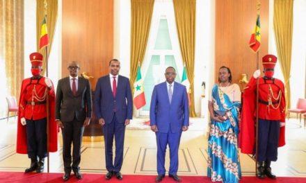 L'ambassadeur du Rwanda a présenté ses lettres de créances au Président du Sénégal