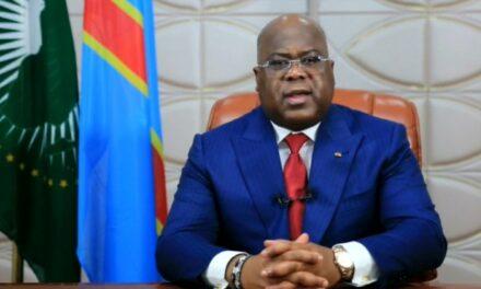 """Au faîte de son pouvoir Tshisekedi est """"couronné"""" président de l'Union africaine"""