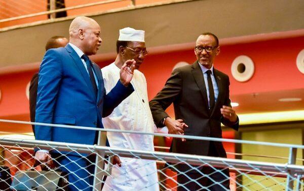 Le Président Kagame déplore la mort de son homologue tchadien