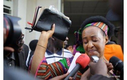 Négationnistes et politiciens obscurs surchauffent les esprits d'honnêtes rescapés dont Adeline Rwigara