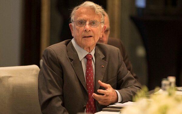 """""""Quand j'ai informé mes chefs qu'un Génocide contre les BATutsi était en préparation, j'ai été écarté et poussé à la démission"""" -Le Gén. Jean Varret"""