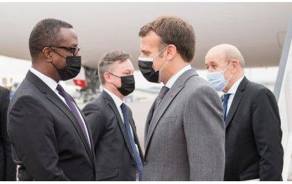 Perezida Macron yanditse amateka: Yageze mu Rwanda (Amafoto)
