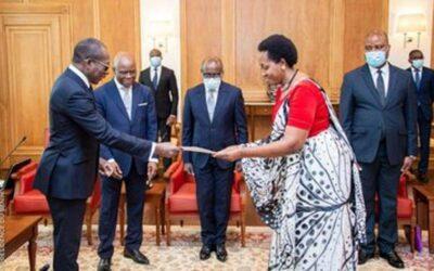 L'Ambassadrice Aisa Kacyira présente ses lettres de créance au Bénin