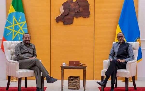 Le Président Kagame a eu hier des entretiens avec Abiy Ahmed sur les relations bilatérales, la région et le monde en général