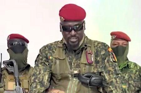 Coup d'Etat en Guinée : le lieutenant-colonel Mamady Doumbouya confirme