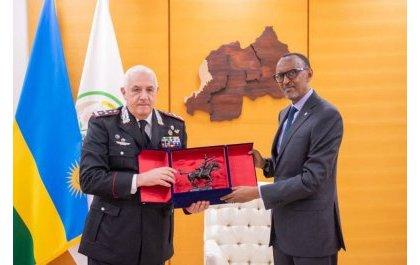 Perezida Kagame yakiriye Umuyobozi wa Polisi y'u Butaliyani